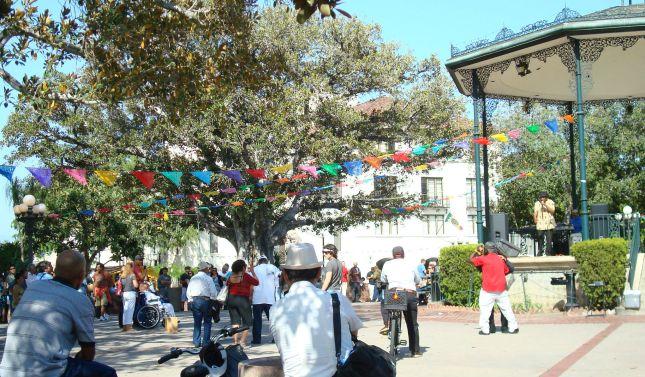 Plaza Y