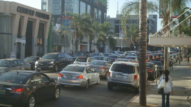 Rush hour on Cahuenga, same day as above.