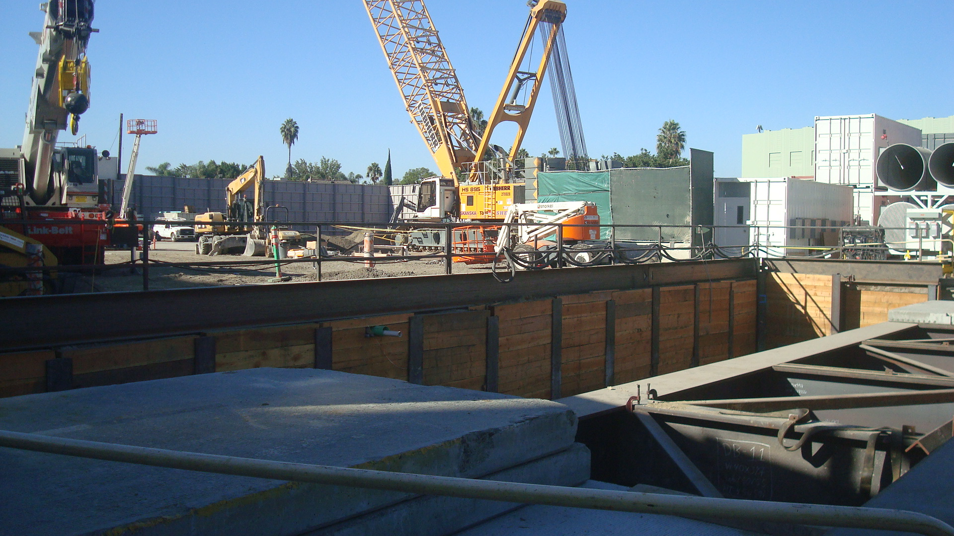 Construction site for Purple Line extension at Wilshire and La Brea.