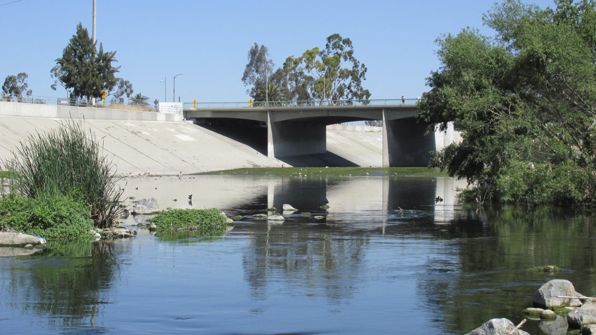 LAR WCU 40 River Bridge CU