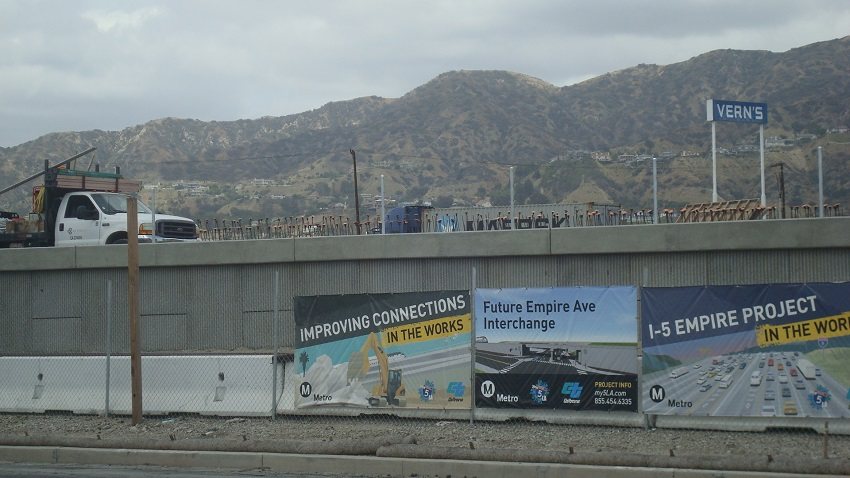 Emp 10 Fwy Banners